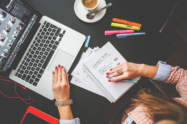 Penulis harus serius menulis di blog