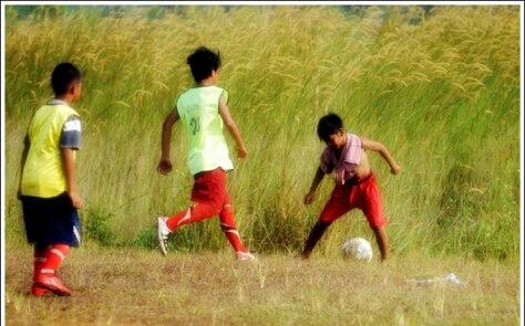 Cerpen: sepak bola